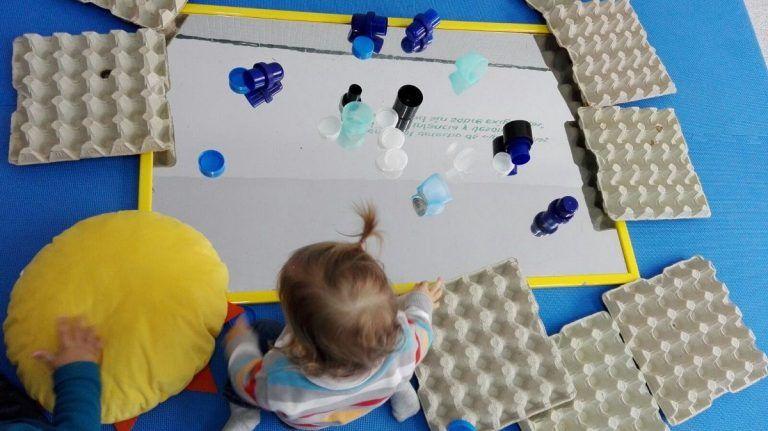 bebes-jugando-escoleta-pharos-7.jpg