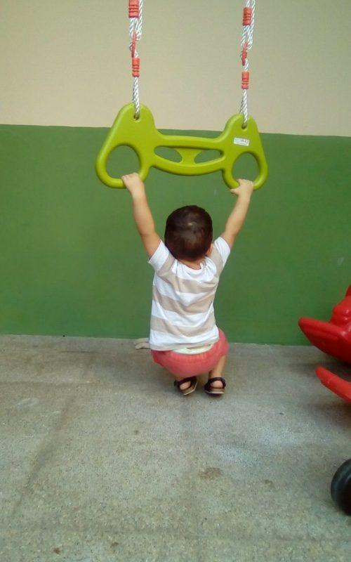 bebes-jugando-escoleta-pharos-3.jpg
